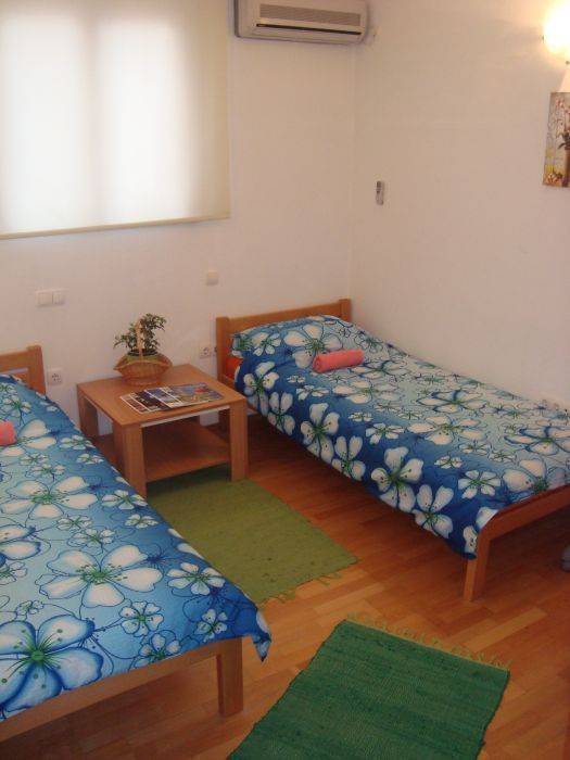 Pansion Anja, Mostar, Bosnia and Herzegovina, Férias de férias, reservar uma cama e café da manhã dentro Mostar