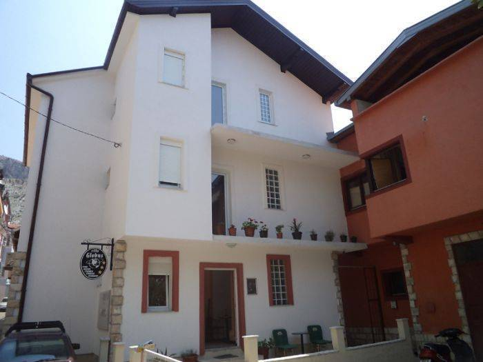 Villa Globus, Mostar, Bosnia and Herzegovina, how to book a hostel without booking fees in Mostar