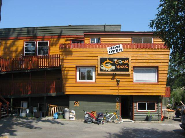 The Cona Hostel, Courtenay, British Columbia, British Columbia hostels and hotels