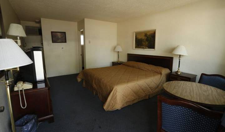 Stardust - Search available rooms and beds for hostel and hotel reservations in Redding 7 photos