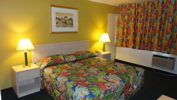 Imperial 400 Motor Inn, Needles, California, hostels near ancient ruins and historic places in Needles