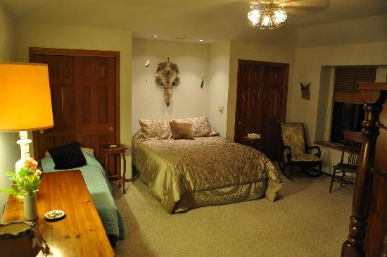 Serenity Gardens Bed and Breakfast, Merced, California, travel and hostel recommendations in Merced