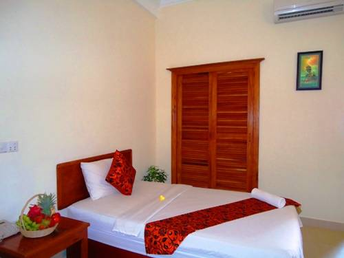 Avista Hostel, Siem Reap, Cambodia, how to choose a booking site, compare guarantees and prices in Siem Reap