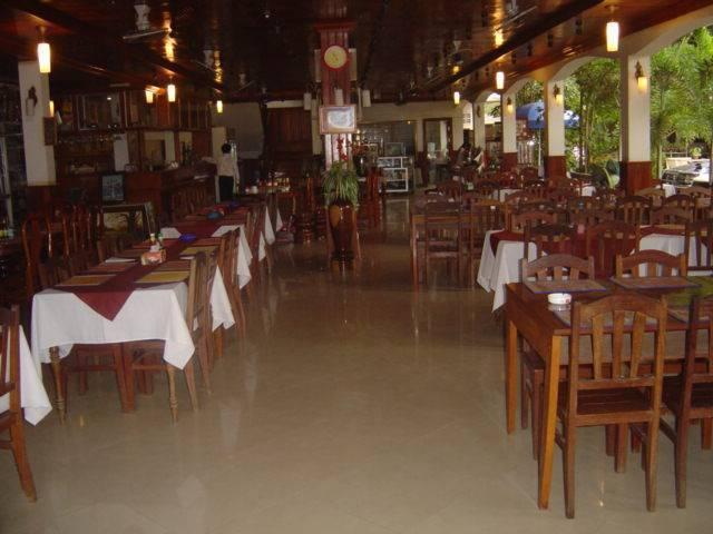 Freedom Hotel, Siem Reap, Cambodia, lisää hostellit useammassa paikassa sisään Siem Reap