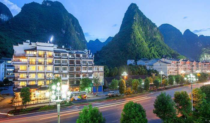 Michael's Inn and Suites - Get cheap hostel rates and check availability in Yangshuo 42 photos