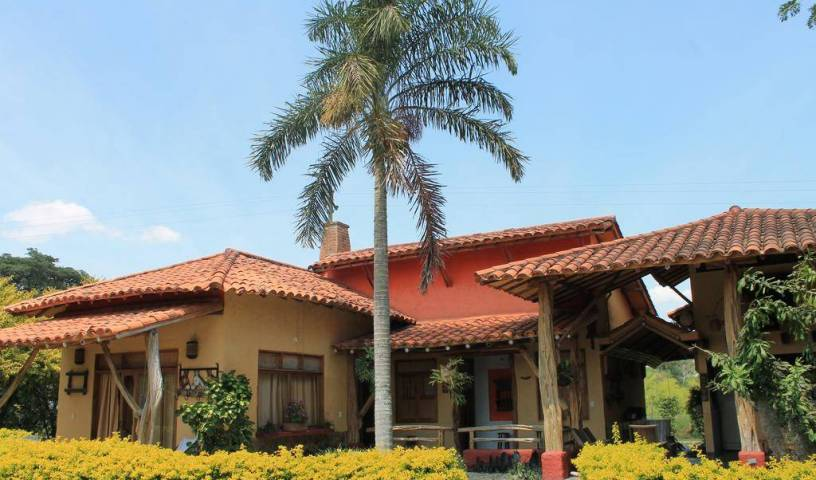 Hotel del Campo - Search available rooms and beds for hostel and hotel reservations in Pereira 6 photos