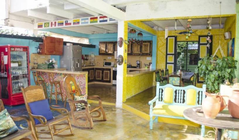 Hostel Villa Mary - Get cheap hostel rates and check availability in Santa Marta 14 photos