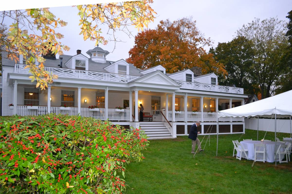 Captain Stannard House, Westbrook, Connecticut, hostels, special offers, packages, specials, and weekend breaks in Westbrook
