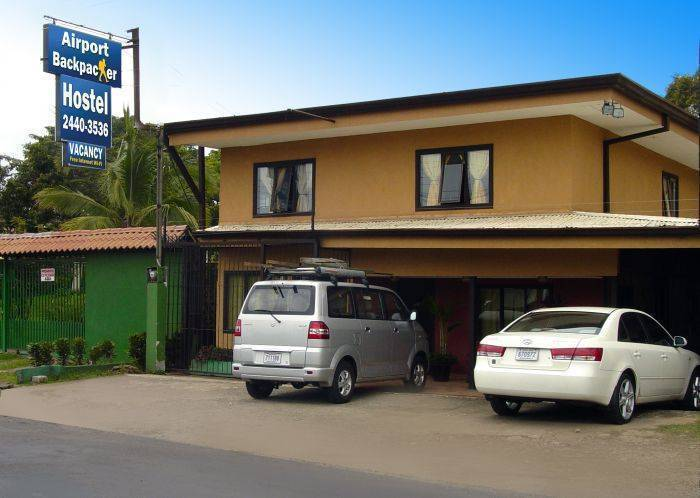 Airport Backpacker Hotel, Alajuela, Costa Rica, compare with the world's largest hostel sites in Alajuela