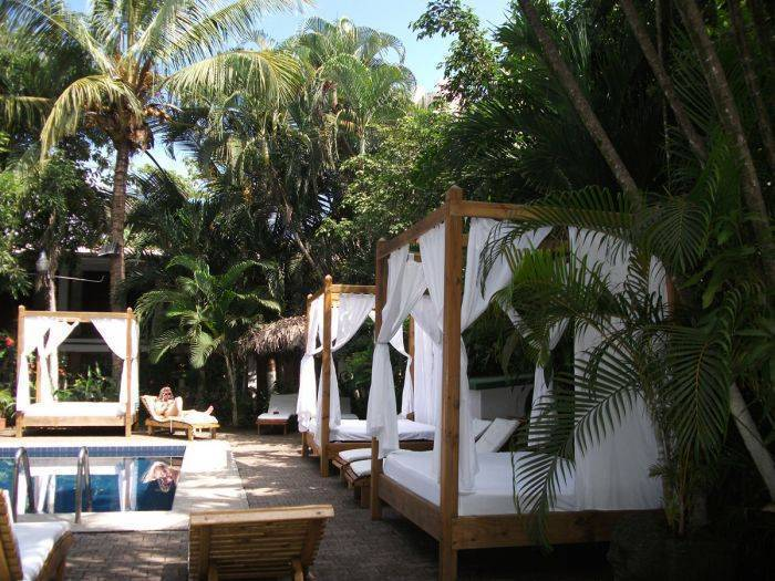 Copacabana Hotel and Suites, Jaco Beach, Costa Rica, find the lowest price on the right bed & breakfast for you in Jaco Beach