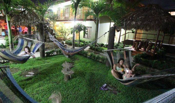 Hostel Backpackers La Fortuna 35 photos