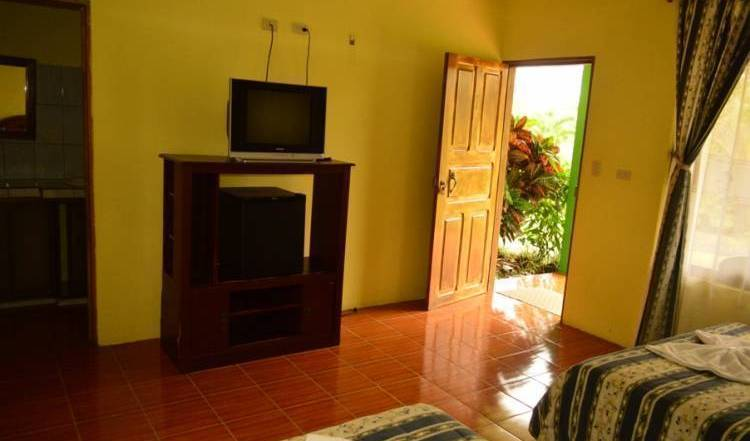 Hotel Lumbres del Arenal - Get cheap hostel rates and check availability in Fortuna 15 photos