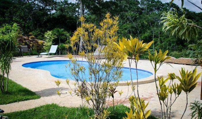 Lodge Margouillat, Santa Teresa, Costa Rica bed and breakfasts and hotels 4 photos