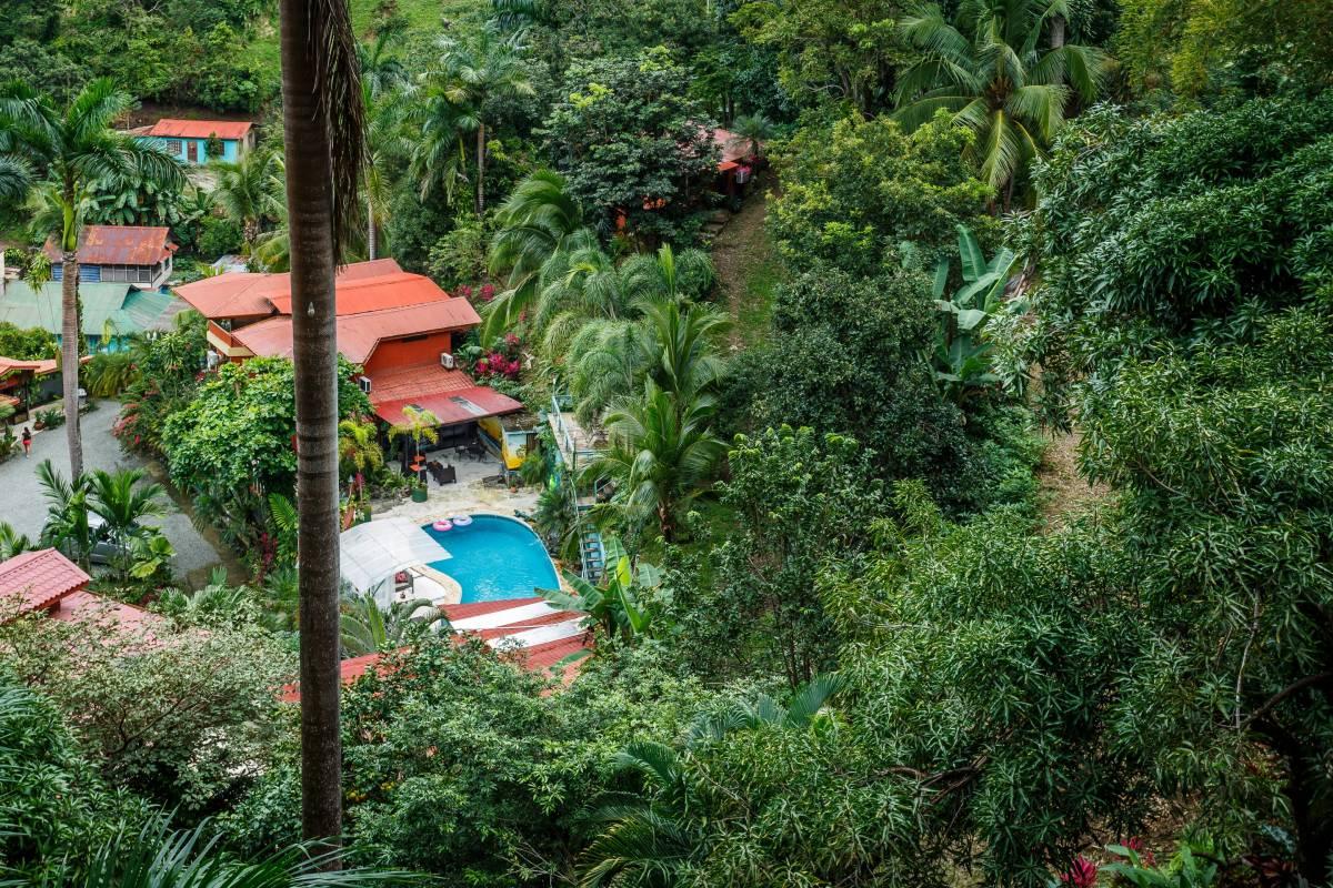 Las Cascadas The Falls, Manuel Antonio, Costa Rica, saada matkareitit ja miten sinne pääsee sisään Manuel Antonio