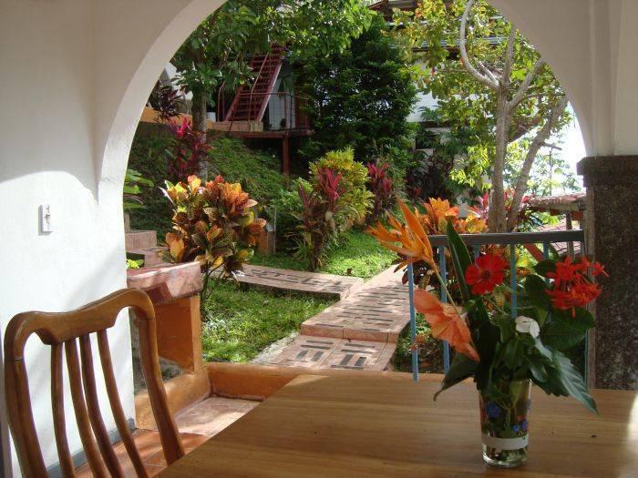 El Baile de la Iguana, Manuel Antonio, Costa Rica, suunnittele matkasi HostelTraveler.com, lukea arvosteluja ja varata hostelli sisään Manuel Antonio