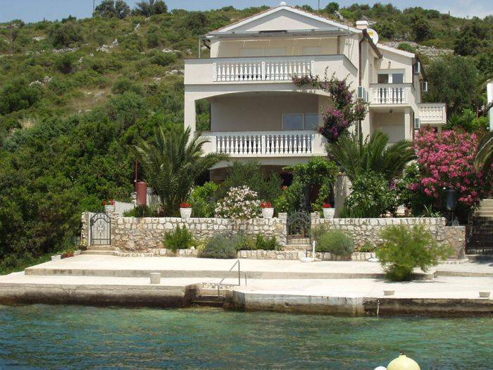 Apartments Villa Branka, Rogoznica, Croatia, Croatia bed and breakfasts and hotels