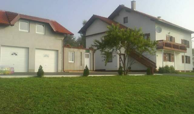 Melissa - Search for free rooms and guaranteed low rates in Rakovica 8 photos