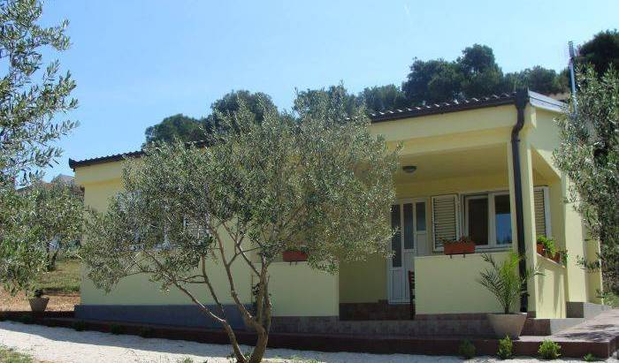 Villa Antonio II - Search for free rooms and guaranteed low rates in Biograd na Moru, youth hostel 17 photos