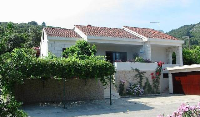 Villa Conte Apartments, best deals for hostels and backpackers in Kor?ula, Croatia 3 photos