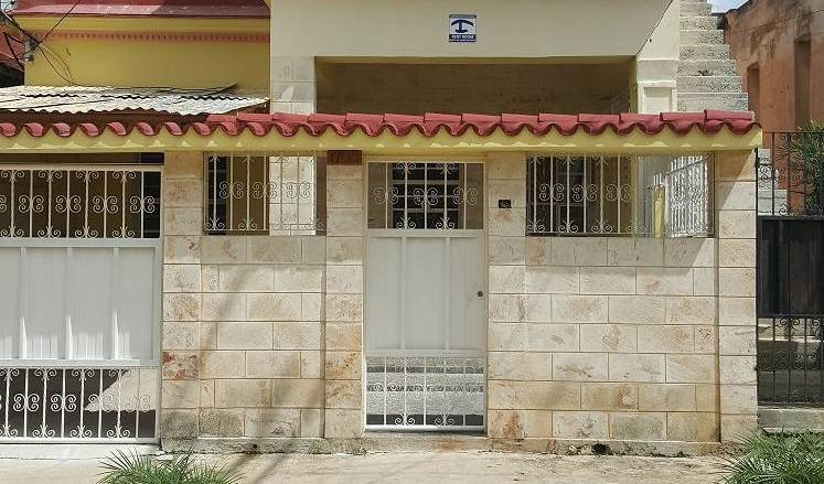 Casa Ama - Search available rooms and beds for hostel and hotel reservations in Alturas de Miramar 8 photos
