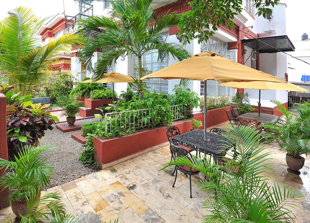 Residencia RC, Vedado, Cuba, bed & breakfasts with non-smoking rooms in Vedado