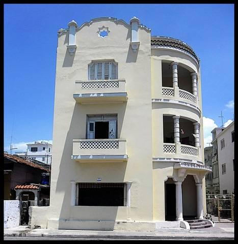 Vista Al Mar, Vedado, Cuba, 読書ベッド&今日の次の冒険を予約 に Vedado