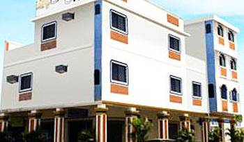 Hostal Suites Madrid - Search available rooms and beds for hostel and hotel reservations in Guayaquil 6 photos