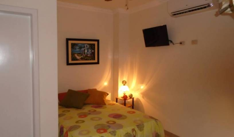 Hotel Jeshua - Search available rooms and beds for hostel and hotel reservations in Guayaquil 24 photos