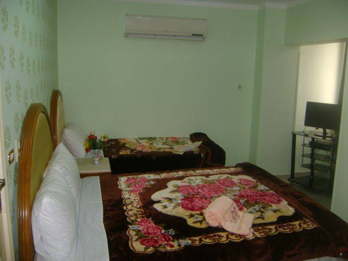 Isis Hotel 2, Cairo, Egypt, hostels near subway stations in Cairo