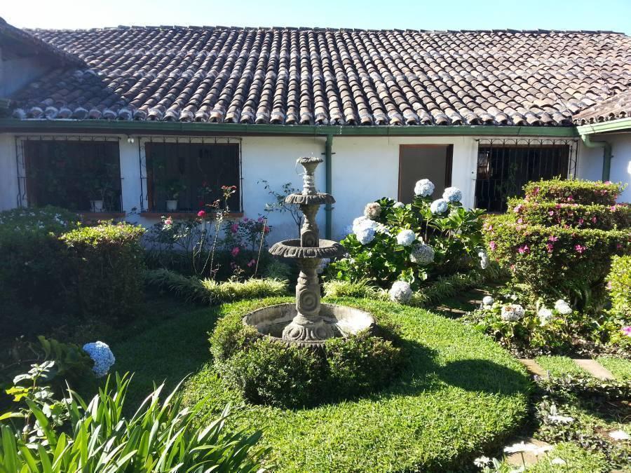 Hostal Bierhaus, Apaneca, El Salvador, El Salvador bed and breakfasts and hotels