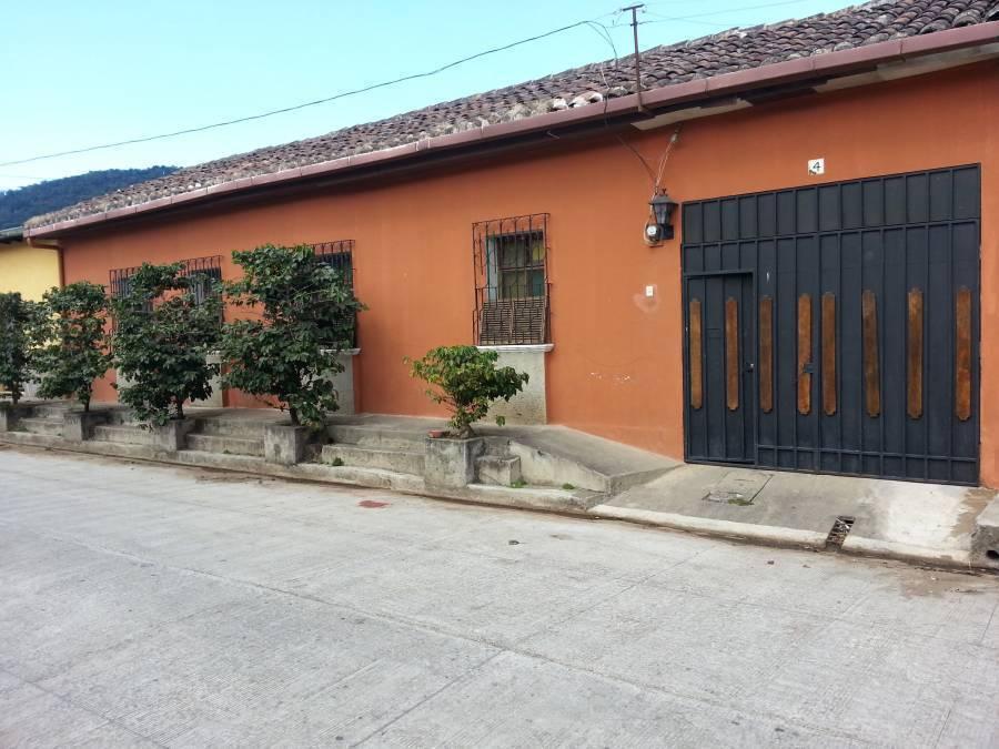 Hostal Bierhaus, Apaneca, El Salvador, long term rentals at bed & breakfasts or apartments in Apaneca