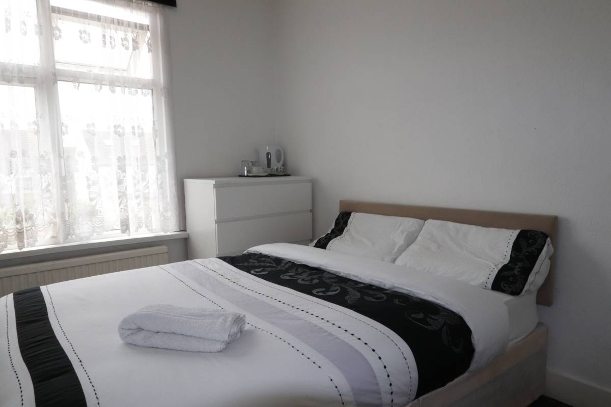 Barking Guest House, East London, England, book flights and rental cars with hostels in East London
