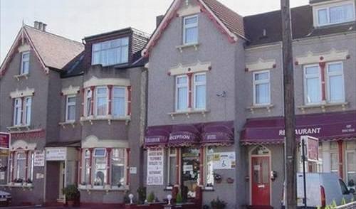 Cranbrook Hotel 5 photos