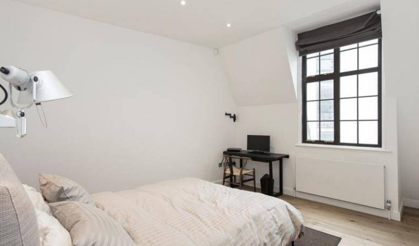 Trafalgar Square Apartment - Search for free rooms and guaranteed low rates in West End of London, GB 11 photos