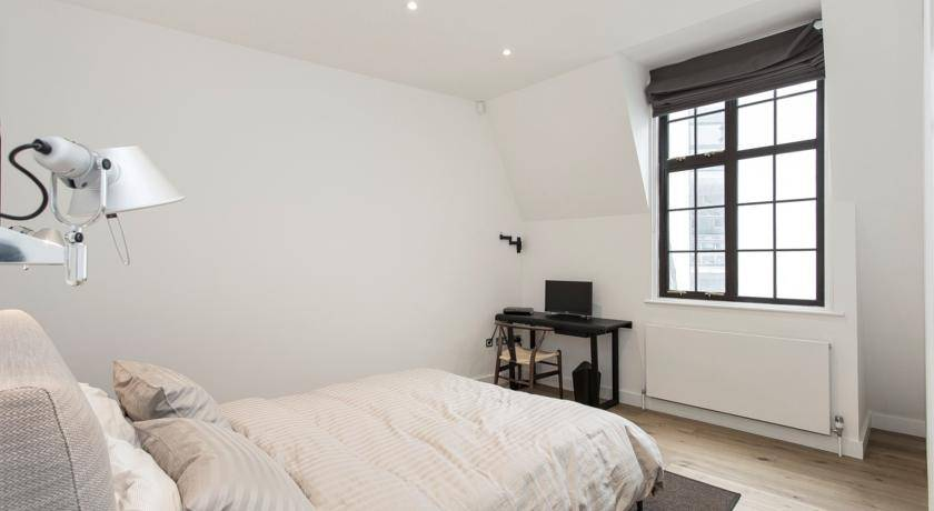 Trafalgar Square Apartment, West End of London, England, England hostels and hotels