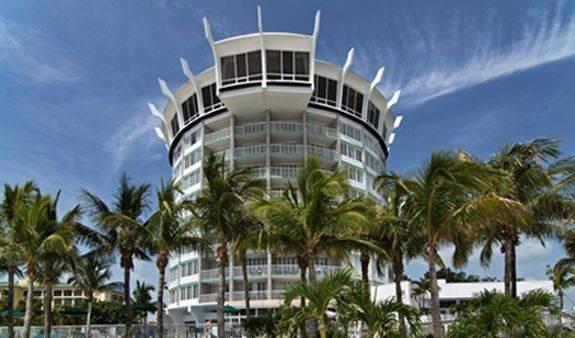 Grand Plaza Beachfront Resort - Vyhľadajte voľné izby a garantované nízke ceny v Saint Pete Beach 11 fotografie