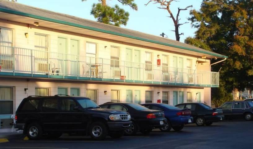 Palm Lake Front Resort and Hostel - Vyhľadajte voľné izby a garantované nízke ceny v Kissimmee, Hostely v miestach s najlepším počasím 1 fotografie