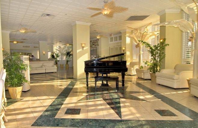 Grand Plaza Beachfront Resort, Saint Pete Beach, Florida, hostels in locations with the best weather in Saint Pete Beach
