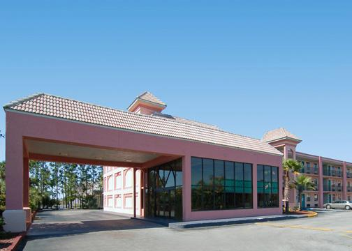 Quality Inn Maingate West, Kissimmee, Florida, book tropical vacations and hostels in Kissimmee