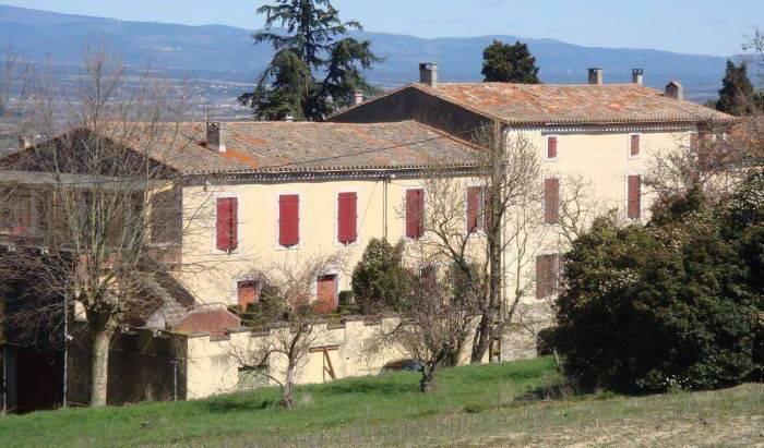 Domaine de la Petite Tour 8 photos