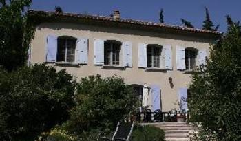 Maison de l'Arc -  Orange 11 photos