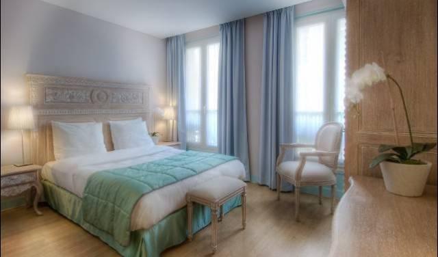 Taylor Hotel, FR 4 photos