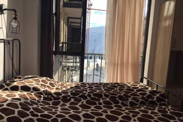 Gudauri Ski Resort-Aparthotel Mgzavrebi, Gudauri, Georgia Republic, Düşük maliyetli fırsatlar içinde Gudauri