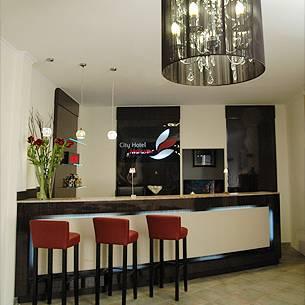 City Hotel Mercator, Offenbach, Germany, Economizar na cama e amp; Café da manhã com BedBreakfastTraveler.com dentro Offenbach