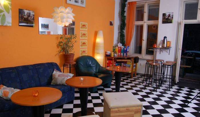 BackpackerBerlin - Search available rooms and beds for hostel and hotel reservations in Berlin, cheap hostels 7 photos