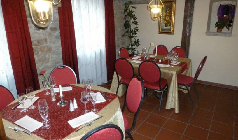 Pfaelzer Landhotel Heinrich - Search for free rooms and guaranteed low rates in Bad Durkheim 15 photos