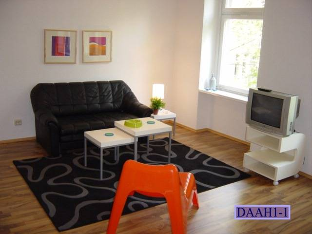 Goltz 21, Berlin, Germany, youth hostels and backpackers for fall foliage in Berlin