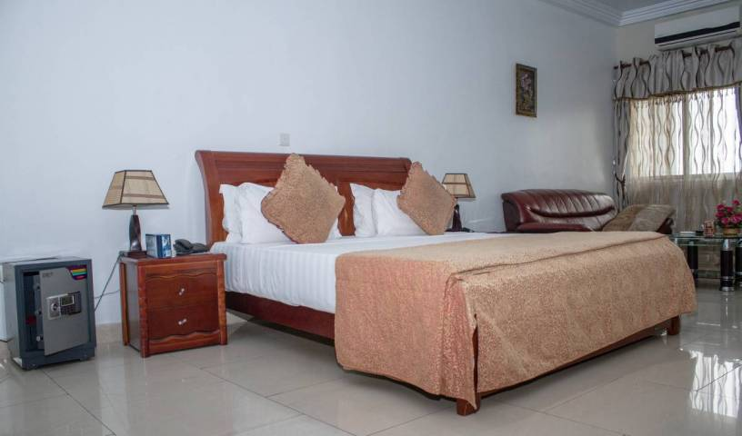 Mj Grand Hotel - Search for free rooms and guaranteed low rates in Accra, hostels worldwide - online hostel bookings, ratings and reviews 6 photos