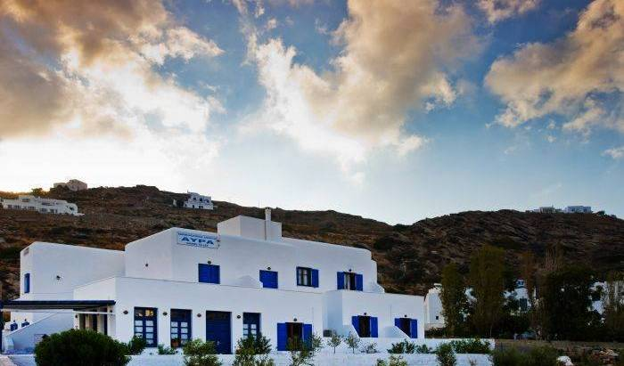Avra Pension, hostels with handicap rooms and access for disabilities 15 photos