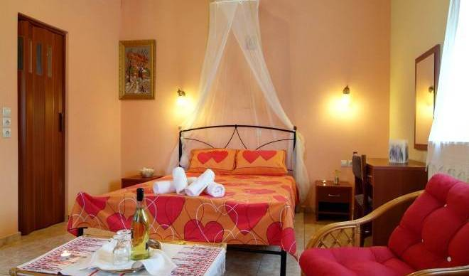 Kelari Studios - Search available rooms and beds for hostel and hotel reservations in Dhelfoi 13 photos
